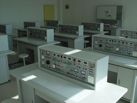 电工原理,电路分析,模拟电子技术,数字电路,电气控制设备等课程实验.