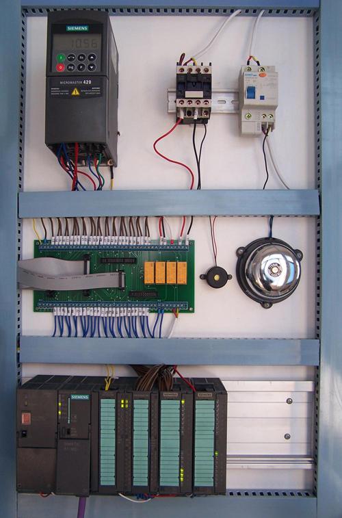 8,楼层显示        9,厅门安全控制        10,电梯终端开关保
